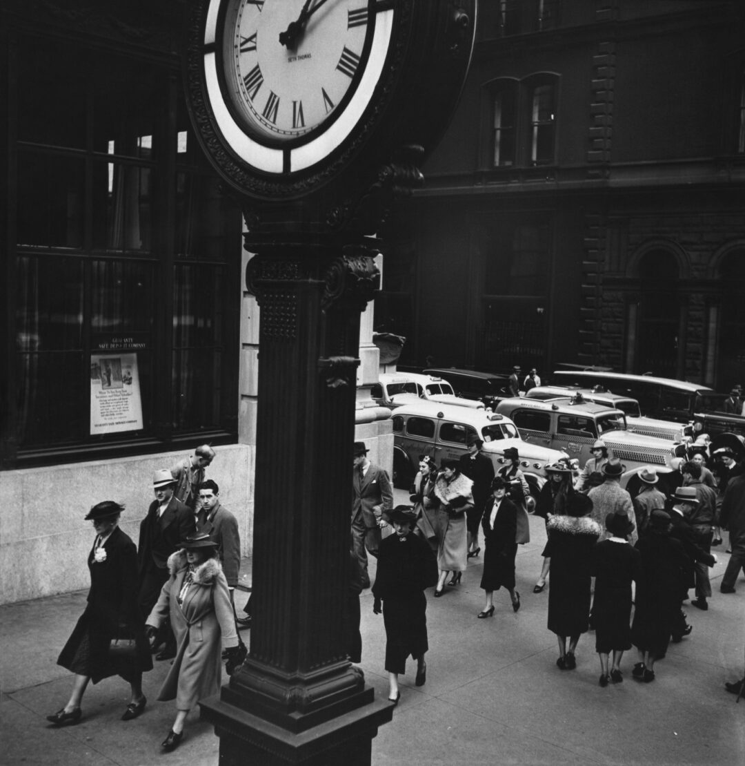 Tempo of the City: I. Fifth Avenue and 44th Street, Manhattan 1938